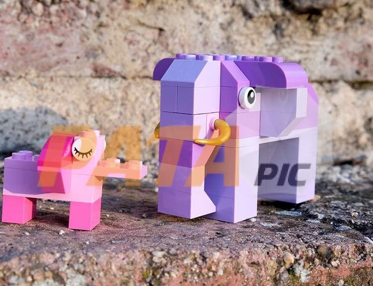 Lego blocks with elephants